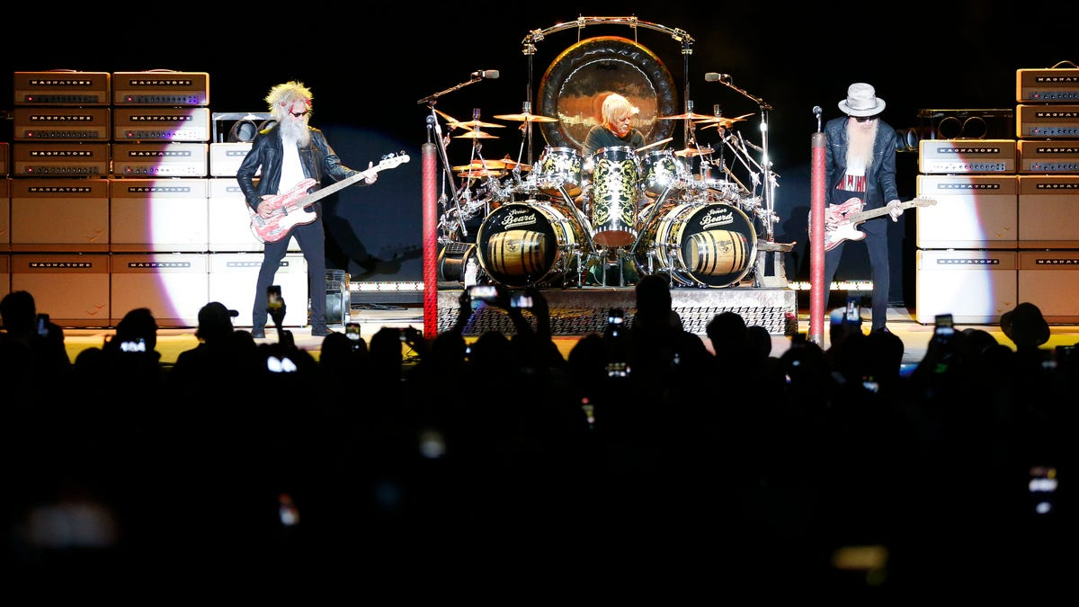 ZZ Top plays at Tuscaloosa Amphitheater in first gig since Dusty Hill's death