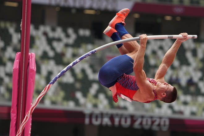 Former University of Akron standout Matt Ludwig (USA) competes in the men's pole vault qualifications during the Tokyo 2020 Olympic Summer Games at Olympic Stadium. Ludwig just missed making the final but came away confident in his chances to make the 2024 team. [USA TODAY Network]
