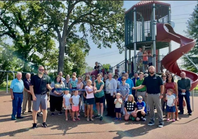 A ribbon-cutting ceremony was held last week at Simpson Park. After years of planning and fundraising by Friends of the Park, children are now playing on the new equipment., much of which isaccessible for children with disabilities.  The $424,000 playground was funded through several local foundation donations, a$100,000contribution from the City of Chillicothe, $28,000 from New Horizons, a Senate Bill 40 organization, and funds from the Carolyn Saale Memorial Fund.