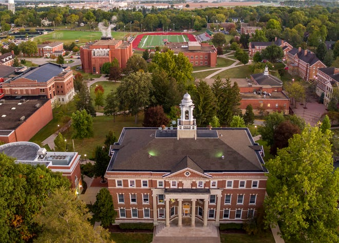 Monmouth College fall classes will have their first meeting on Aug. 25.