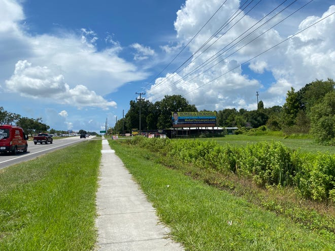 Plans to develop this wooded area just south of Marcum Road on U.S. 98 North in Lakeland into apartments drew protests from neighbors, who said this stretch of U.S. 98 is already too busy.