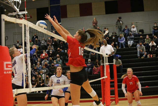 Lansing senior Olivia Mae Van Der Werff is committed to compete with College of Charleston next year.