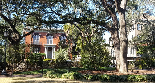 12 of our all-time favorite restaurants, bars and cafes in Savannah