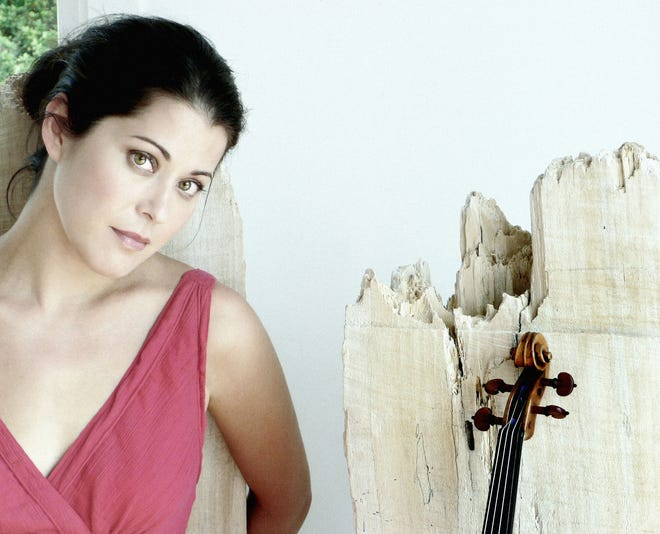 """Violin soloist Jennifer Frautschi performs Aug. 7 at The Wilson Center as part of """"The Four Seasons,"""" a program of music by Astor Piazzolla and Antonio Vivaldi played by the Vivace Virtuosi Chamber Orchestra."""