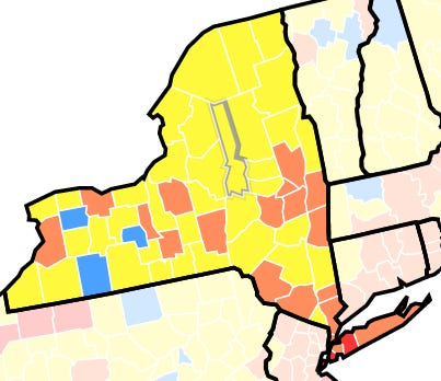 Een kaart van de Amerikaanse Centers for Disease Control and Prevention op zondag 1 augustus 2021 toont de plaatsen waar COVID-19 het meest voorkomt, met provincies die in rood en oranje worden aanbevolen voor het dragen van maskers binnenshuis.