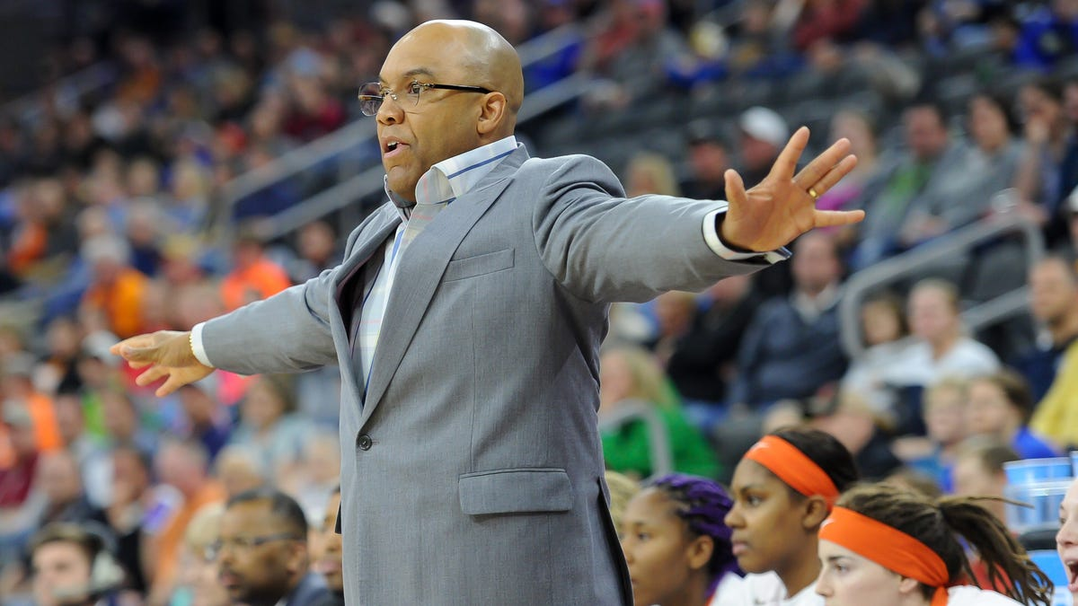 Syracuse coach Quentin Hillsman resigns amid investigation into allegations of inappropriate behavior