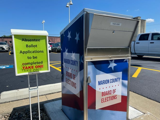 The Marion County Board of Elections announced on Tuesday they are accepting absentee ballot applications for the upcoming election. Absentee ballot applications can be picked up and dropped off at the Marion County Administration Building, located on 222 W. Center St.