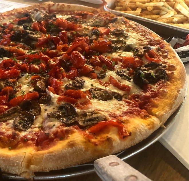 Peppadew and mushroom pizza