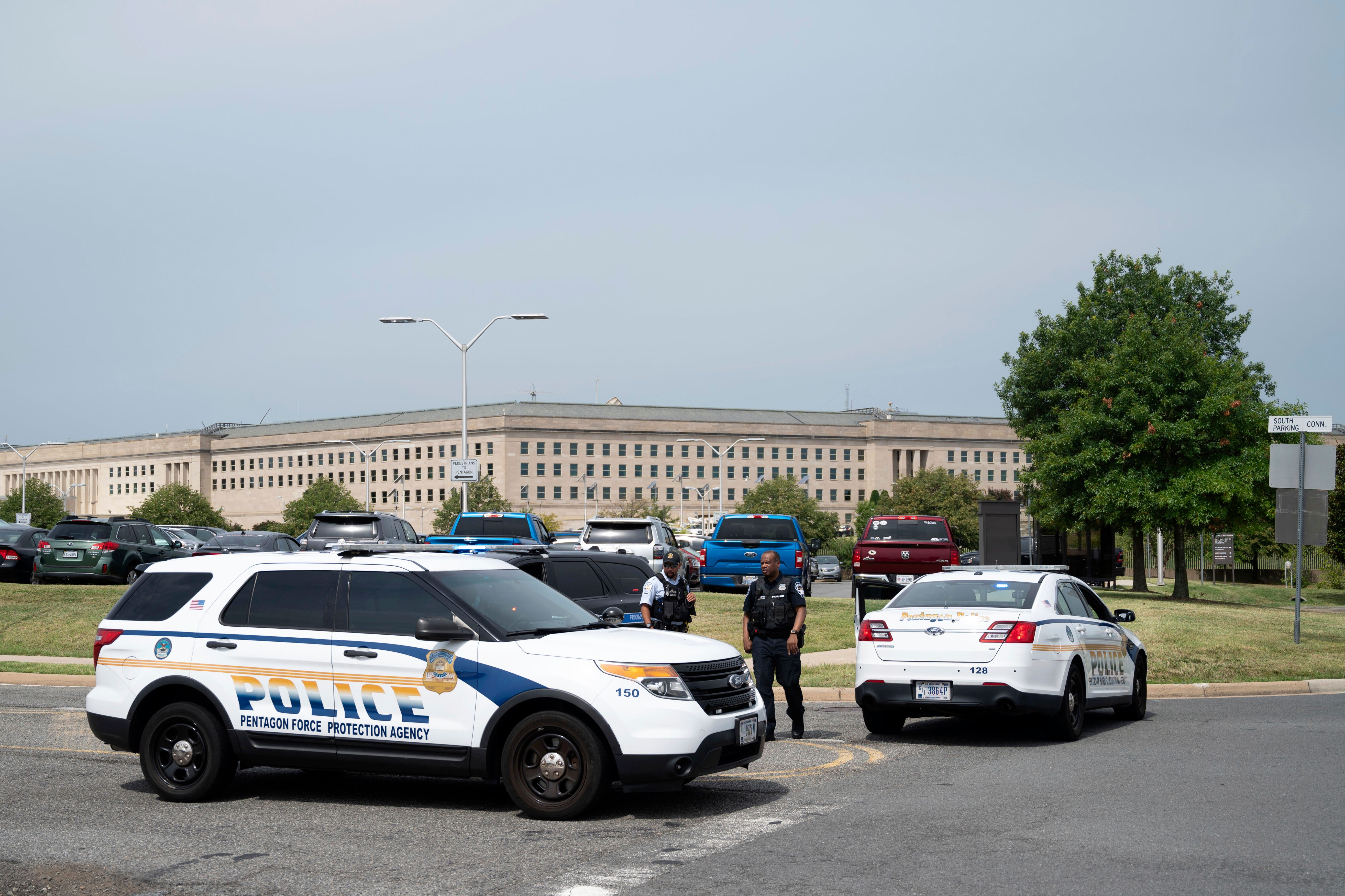 Forever grateful : Officer dies after being attacked outside Pentagon, officials say
