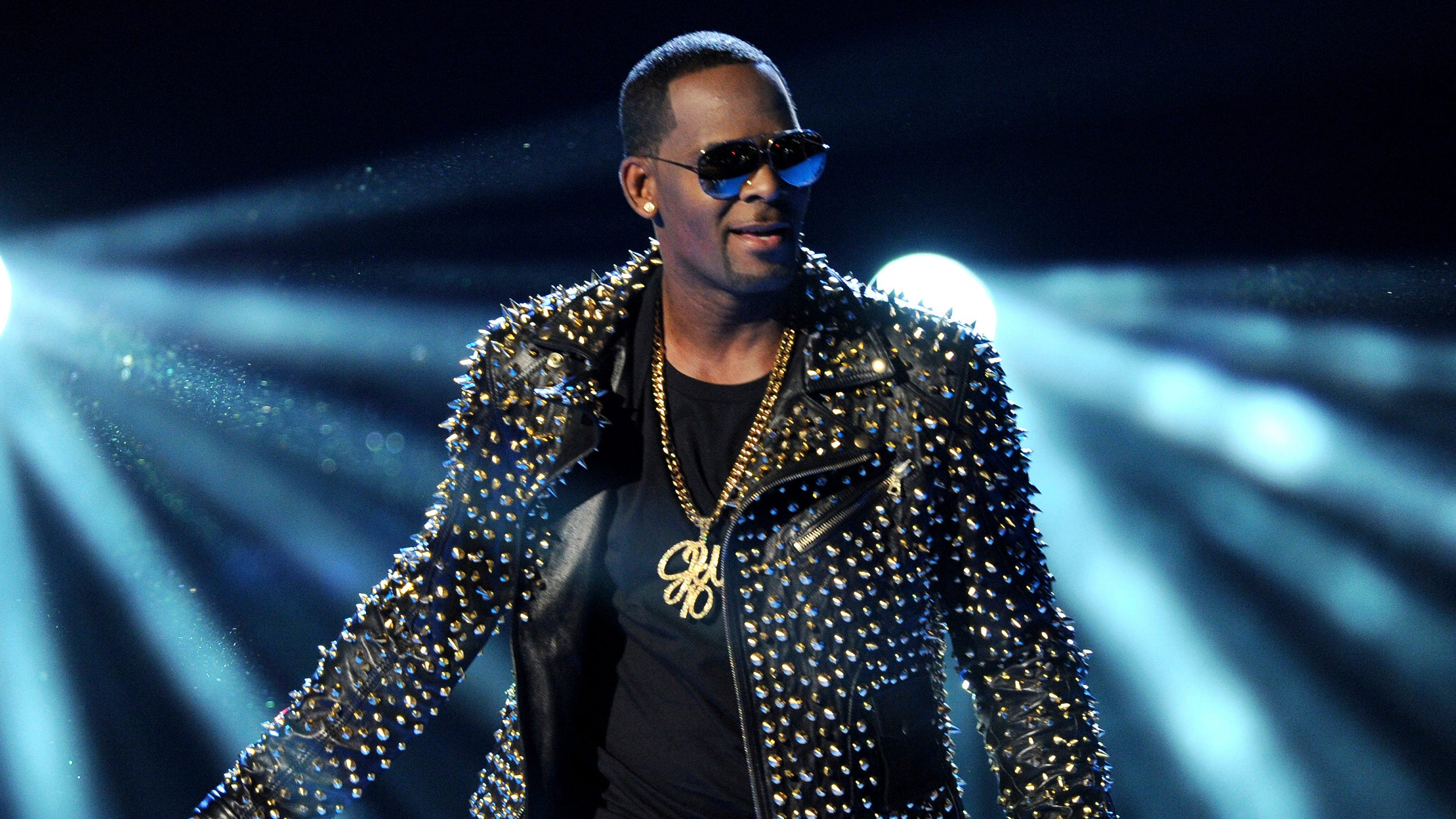 R. Kelly sex-trafficking trial: Jury hears more tapes of R&B star as prosecution nears end of case - USA TODAY