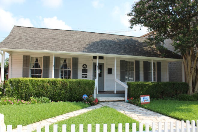 The Palm House Museum in downtown Round Rock has closed its doors after 44 years. The Palm House Museum Association is asking any residents who have items on loan to the museum to reclaim them or leave them to be packed up for storage.