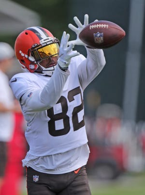Browns receiver Rashard Higgins catches a pass in the end zone during a training camp practice Tuesday in Berea. [Phil Masturzo/Beacon Journal]