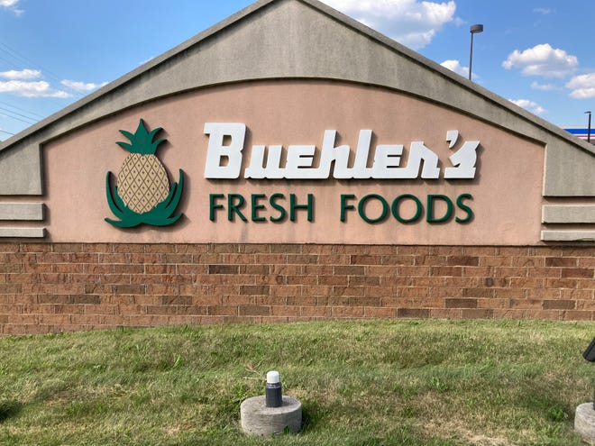 A Buehler's Fresh Foods will open inGalion West ShoppingCenter this October. This sign is outside the chain's Ashland location.