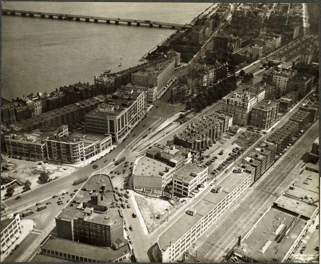 Here is what Kenmore Square looked like in 1929. Learn more from Digital Commonwealth at www.digitalcommonwealth.org.
