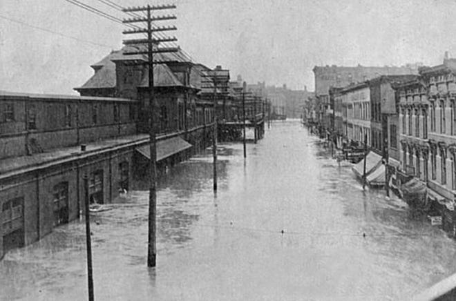 1903 Kansas City Flood. Looking south on Union Avenue, Union Depot to the left.