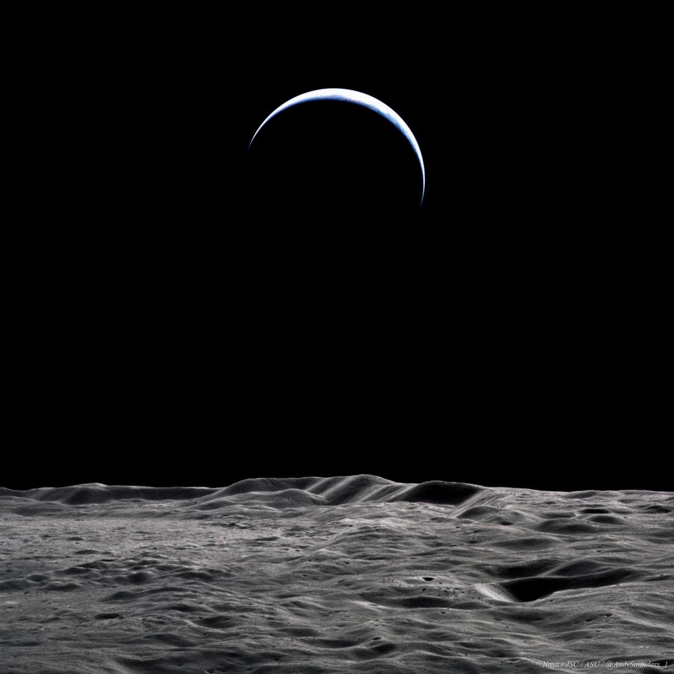 Un'immagine della Terra dalla Luna.