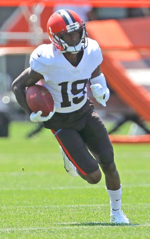 Browns receiver JoJo Natson returns a punt at practice on Wednesday, August 4, 2021 in Berea, Ohio, at CrossCountry Mortgage Campus. [Phil Masturzo/ Beacon Journal]