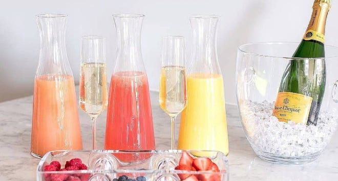 Mimosa bar with Champagne and juices