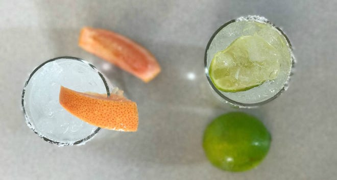 Pamplemousse And Topo Chico Palomas