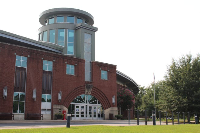 The main branch of the Fort Smith Public Library is located at 3201 Rogers Ave.