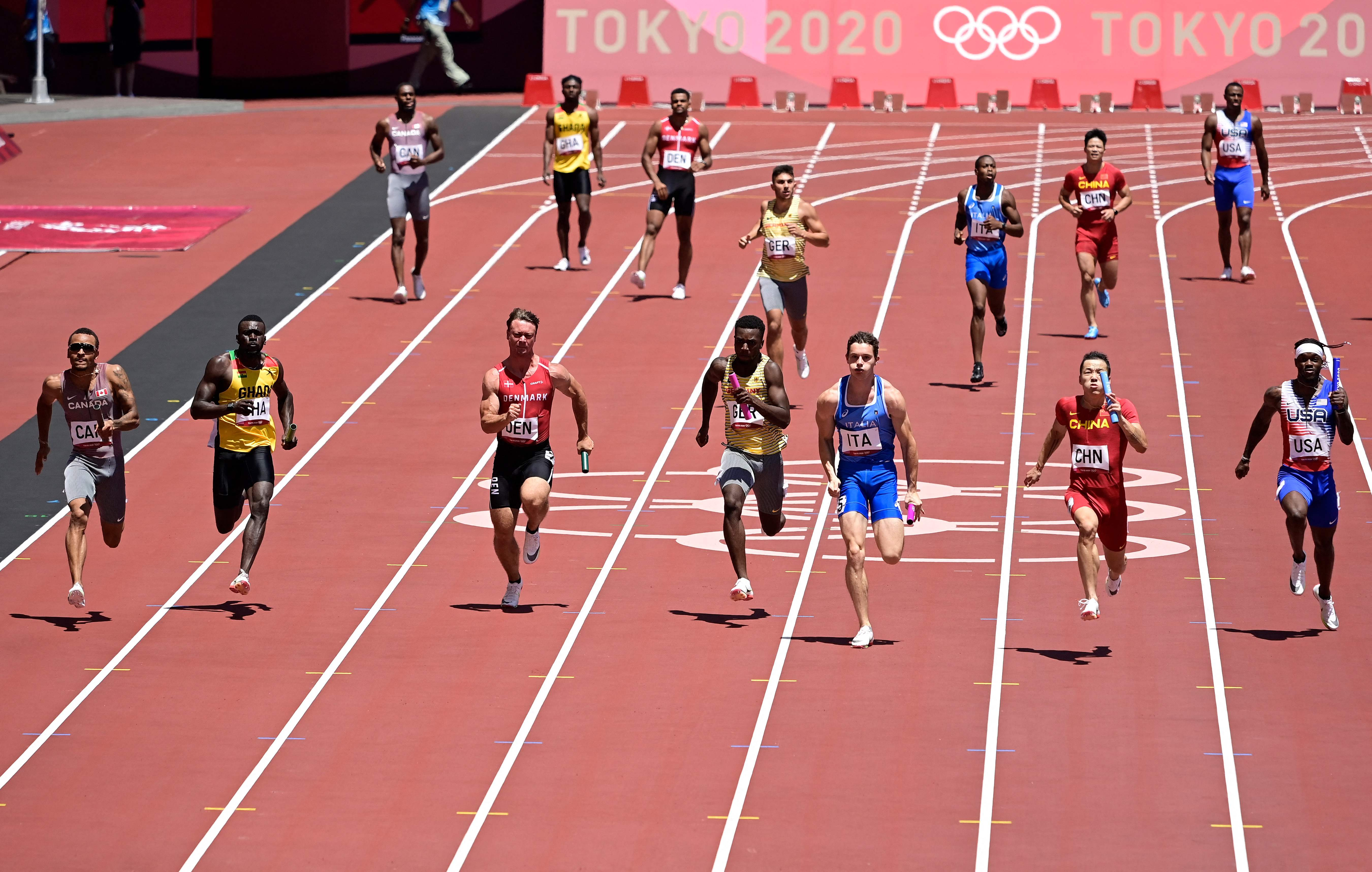 Carl Lewis rips U.S. men s 4x100-meter relay team after failing to make final:  Worse than the AAU kids I saw