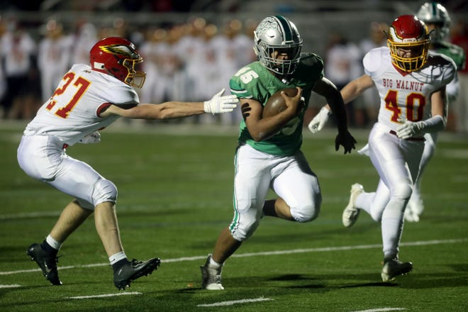 Junior Ed Worthen returns at running back after leading the Irish with 815 yards rushing and 10 touchdowns in being named second-team all-district.