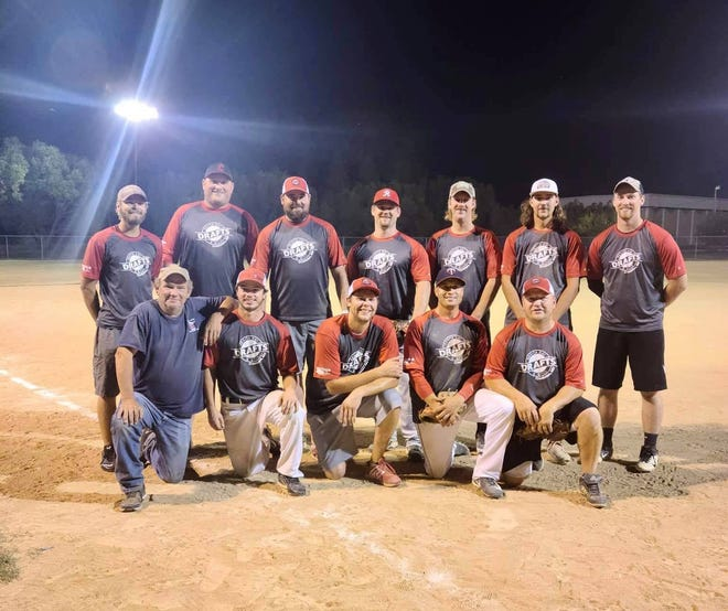 Drafts Sports Bar & Grill team league champs