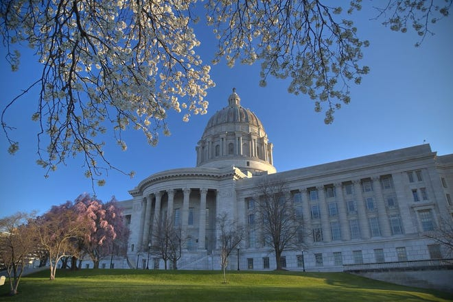 White and pink buds on dogwood and tulip trees brighten the Missouri State Capitol grounds in Jefferson City (Getty Images).