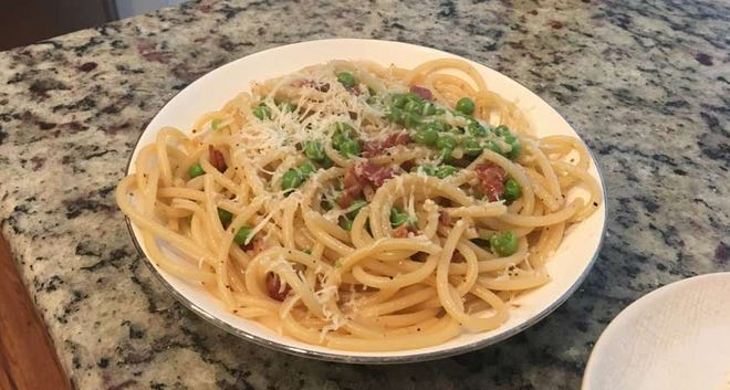 Bucatini with Peas and Bacon