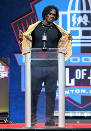 Edgerrin James was enshrined in the Pro Football Hall of Fame at Tom Benson Hall of Fame Stadium on Saturday, August 7, 2021. James was presented by Colts owner Jim Irsay.