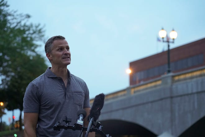 Mayor Paul TenHaken at the 8th Street Bridge lighting ceremony on Friday, August 6, 2021.