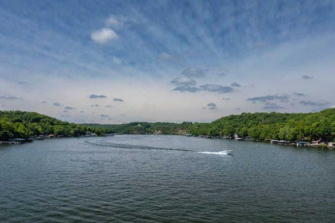 Boat issues, cove issues and water safety/education will be addressed during a town hall this week.