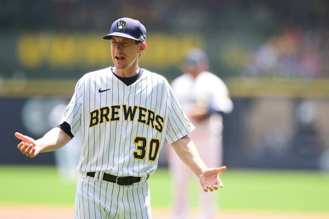 Brewers manager Craig Counsell is still wary of the Chicago Cubs, who are out of the playoff picture and have traded their best players.