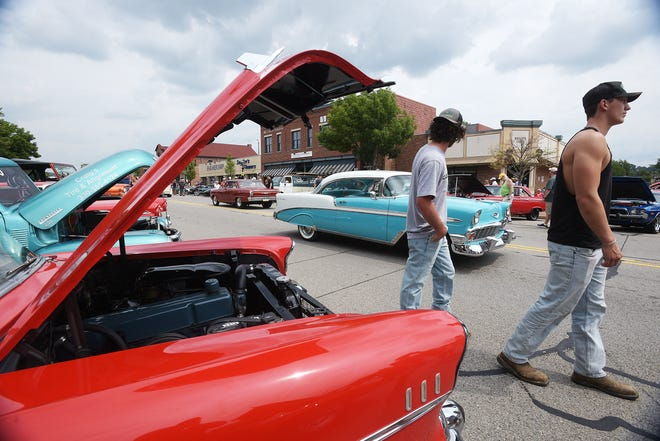 Hundreds of car enthusiasts gathered for the Hot Summer Nights Car Cruise Saturday in Beaver.