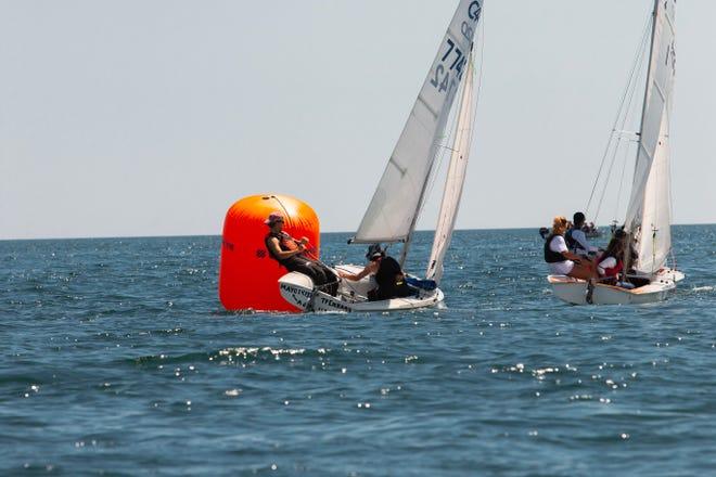 John O'Rourke og Trey Pennas Achaemenidas Boat Club -team pakket tett inn Livermark -merket på den siste dagen i C420 Main State Championship i forrige uke.