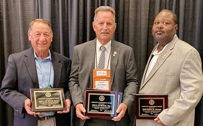 """Selectman Lin Rivet, Mayor Edwin """"Ed"""" Reeves, Jr., and Selectman Jimmie Randle are honored for their years of service."""