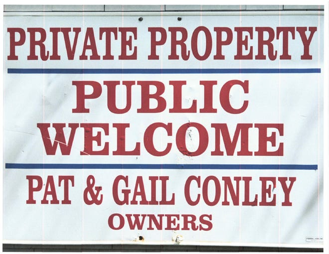 A sign which was affixed to the Conleys' dock.