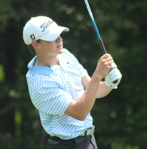 Max Devins led Aurora to a third-place finish at the season-opening Trinity Invitational on Saturday.