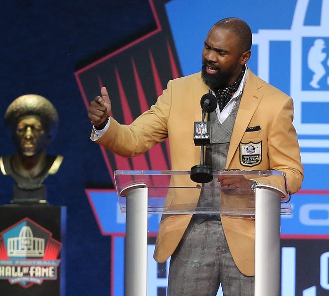 Charles Woodson was enshrined in the Pro Football Hall of Fame at Tom Benson Hall of Fame Stadium on Sunday, August 8, 2021. Woodson was presented by mother Georgia Woodson.