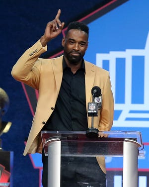 Calvin Johnson thanks God for his football career. Johnson was enshrined in the Pro Football Hall of Fame at Tom Benson Hall of Fame Stadium on Sunday, August 8, 2021. Johnson was presented by Lions teammate Derrick Moore.