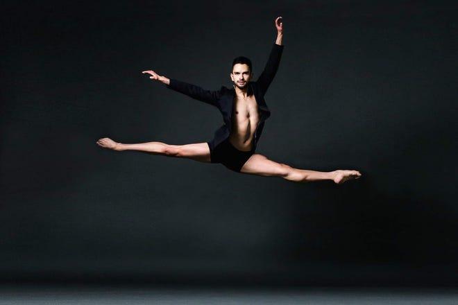 Luis Gonzalez, care a dansat cu Baletul Joffrey din Chicago și Baletul Orlando, s-a alăturat Baletului Sarasota.