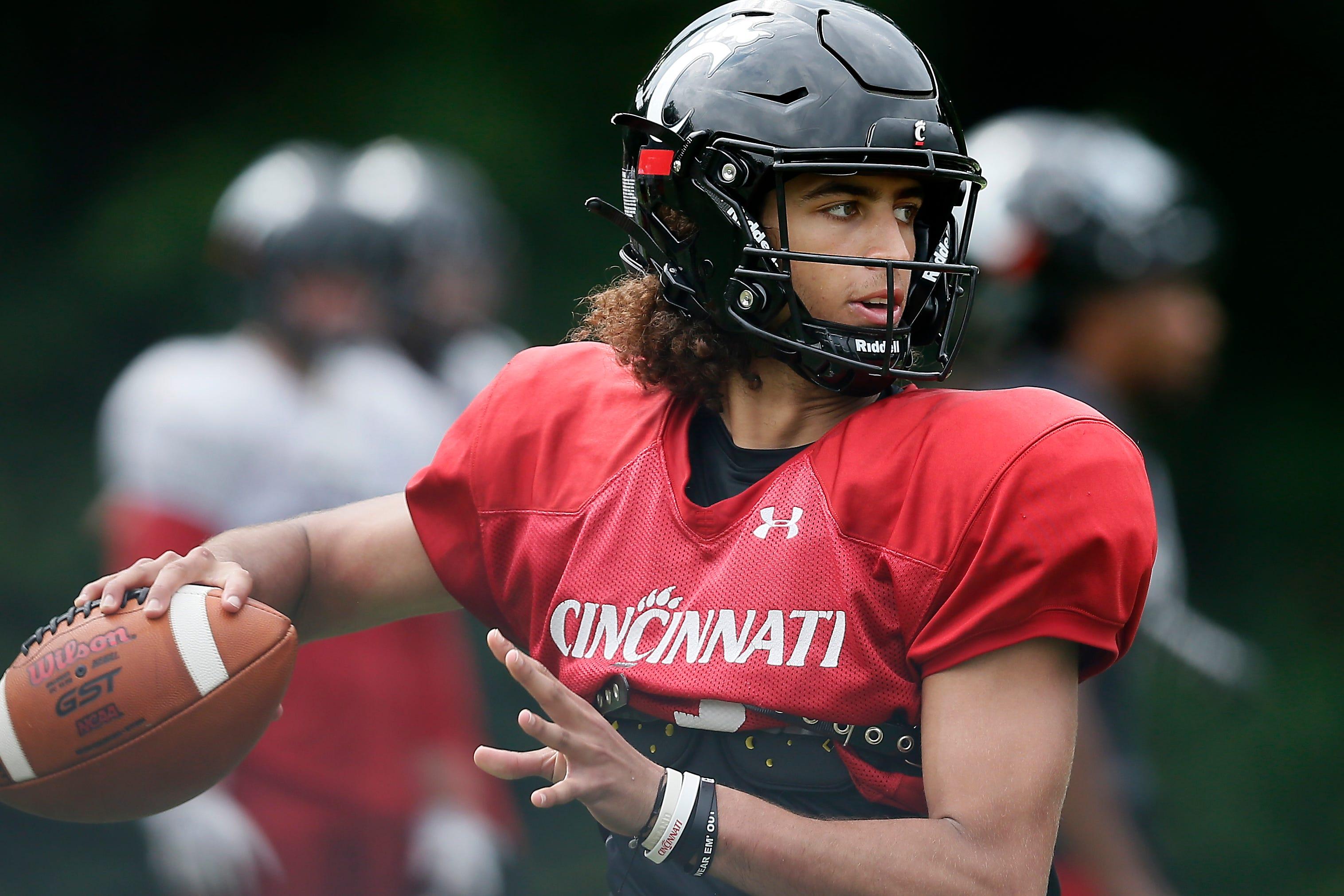Cincinnati Bearcats QB Evan Prater from Wyoming HS gets late touchdown run vs. UCF