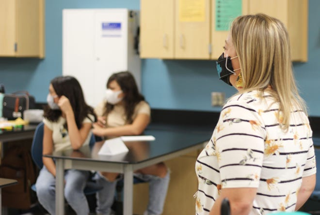 A health class at Zia Middle School practices introductions on the first day of school, Monday, Aug. 9, 2021.