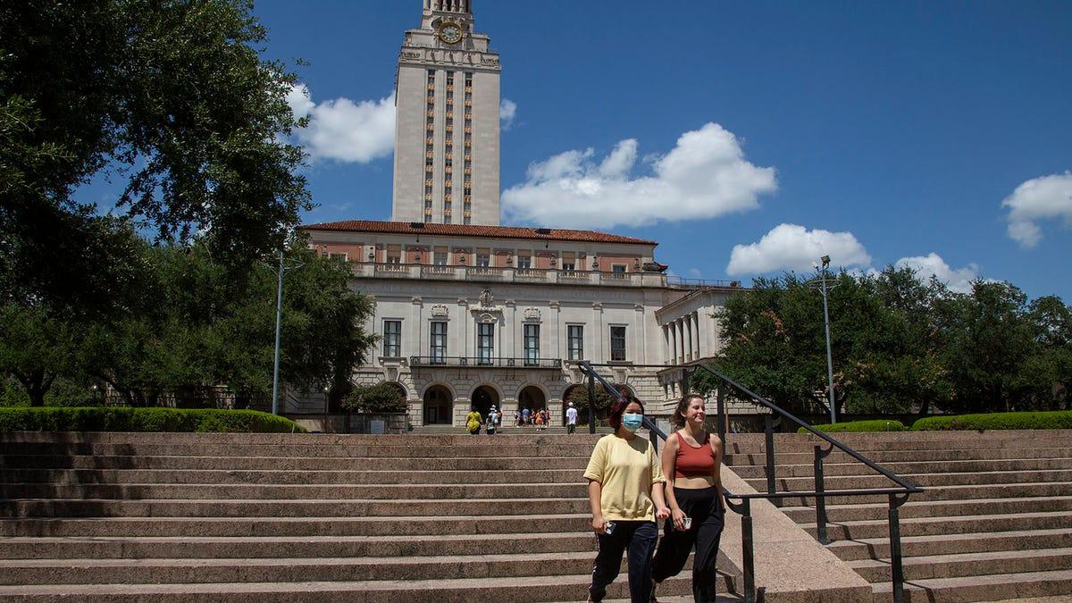 University of Texas hits record undergraduate Hispanic student enrollment