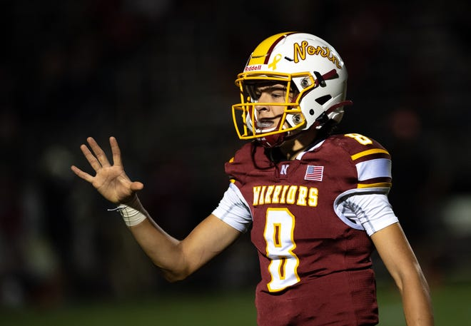 Senior Wyatt Buxton enters his third season as starting quarterback for the Warriors, who went 6-4 to post their first winning season since 2004. A year ago, Buxton threw for 534 yards and four touchdowns in five games as he missed the second half of the season because of a broken left ankle.