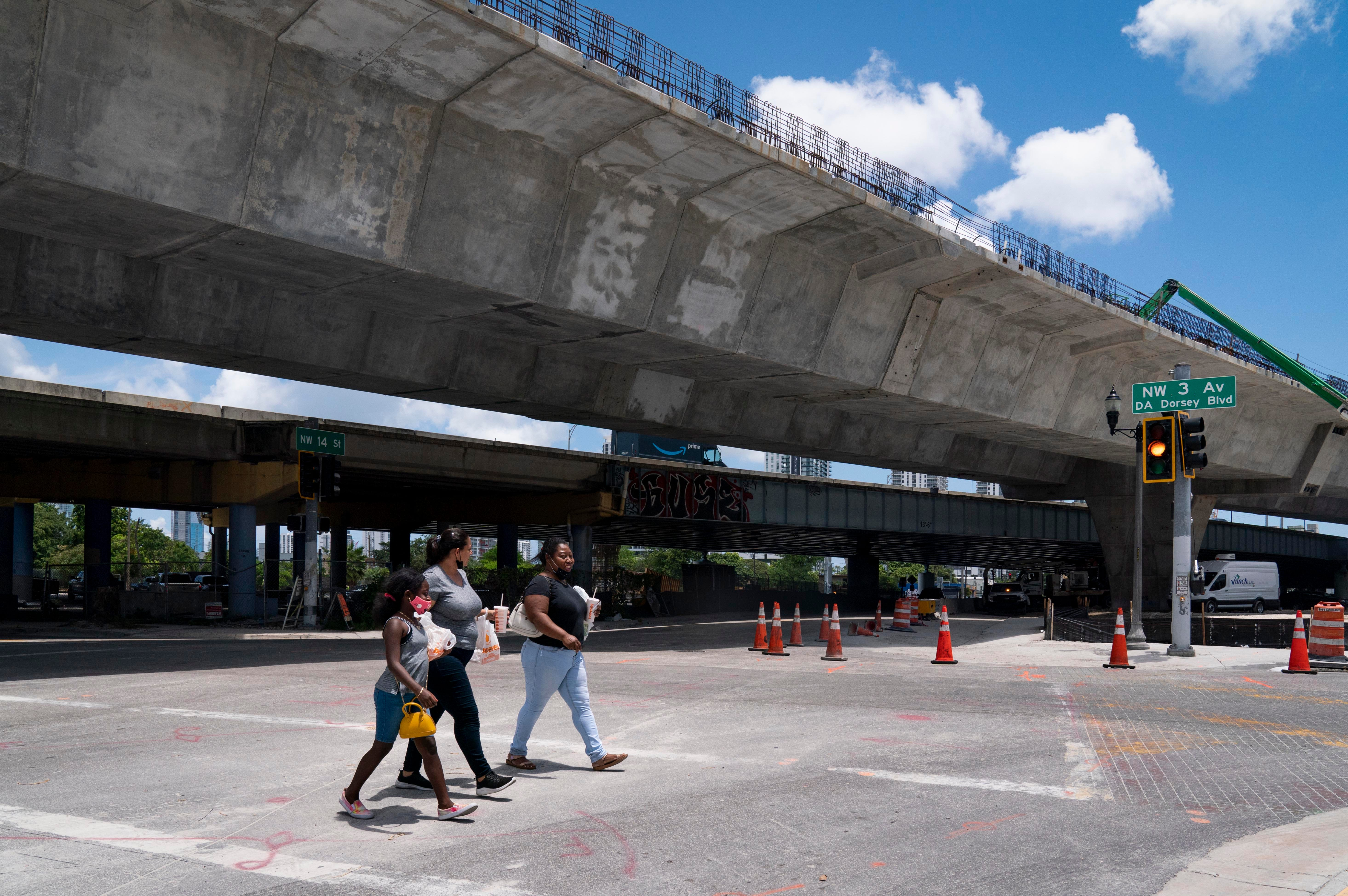 The $802 million I-395/SR 836/I-95 project is underway near Miami's Overtown neighborhood. When work is complete, 33 acres of currently unusable space under the I-395 corridor will be opened for the enjoyment of residents and visitors.