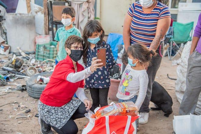 Arlington's Jean Sicurella helps deliver groceries with her group, Misión de Caridad, to families in Mexico.