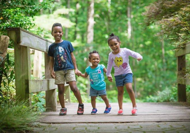 Nakeshia Shannon's children playing outside.