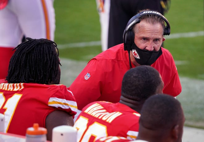 Kansas City Chiefs defensive coordinator Steve Spagnuolo talks with players on the sidelines during last year's Nov. 8 game against the Carolina Panthers at Arrowhead Stadium.