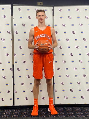 The Purple Aces received their first 2022 commitment after Logan McIntire of North Harrison High School recently visited campus.